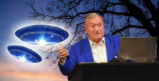 "Erich Von Daniken ""Chariots Of The Gods"""