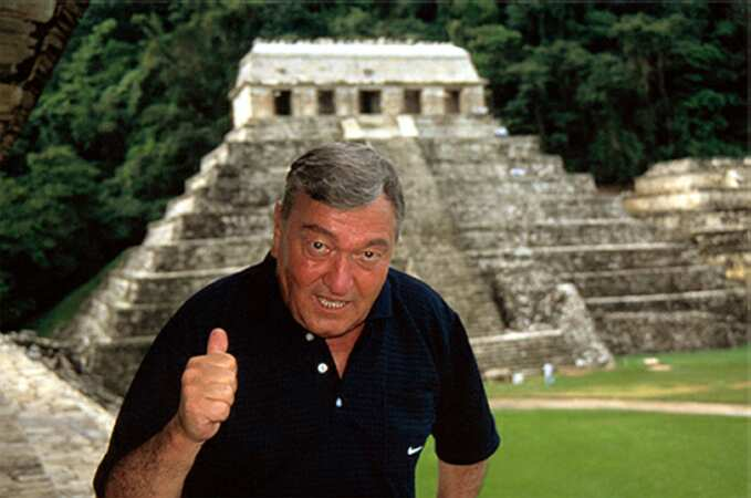 Erich Von Daniken And His Ancient Astronaut Theory