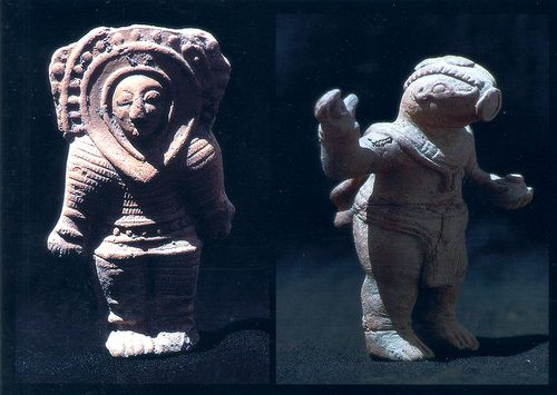 Statues and artifacts ancient aliens