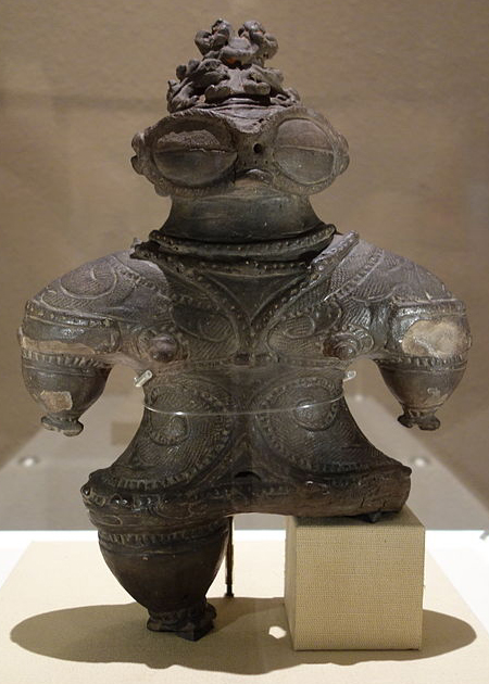 Dogu statues of Japan ancient aliens