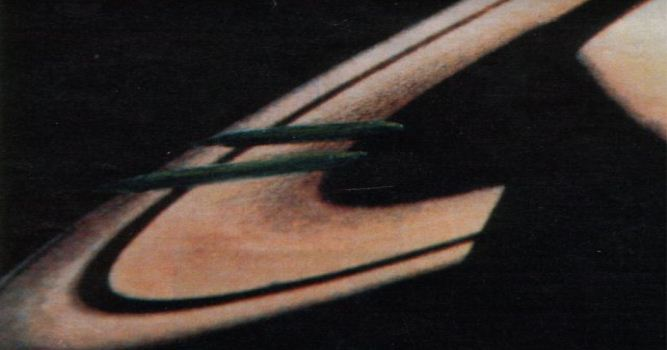 Saturn cigar shaped ufo