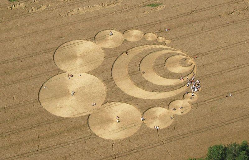 Risultati immagini per crop circle message chilbolton