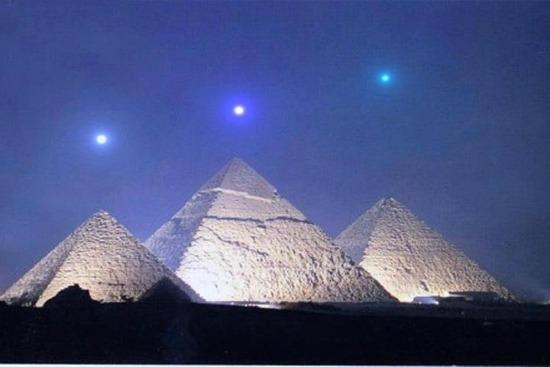 pirámides posicionamiento de las estrellas